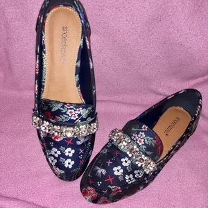 Shoedazzle Floral Loafers